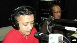 Hisham Moussa, (left), and Chum Sirath, (right), on 'Hello VOA'.