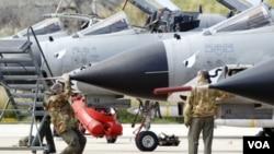 Los aviones y helicópteros de la Alianza efectuaron miles de salidas con el fin de atacar o identificar objetivos.