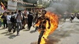 Shkaqet e vetë-djegjeve në Tibet