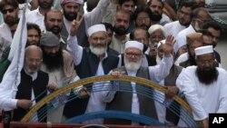 جماعت اسلامی کی جانب سے ملک کے کئی شہروں میں کشمیر کے حوالے سے احتجاج کیا گیا ہے — فائل فوٹو