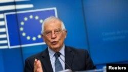 歐盟外交事務高級代表博雷爾(Josep Borrell)2020年6月15日在召集外交事務對話會後見記者(路透社)