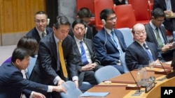 유엔 안보리가 뉴욕 유엔본부에서 회의를 열고 추가 대북제재결의안을 채택한 지난해 11월 오준 한국 대사가 자리에 착석하고 있다.
