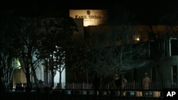 در حمله بر هوتل سرینا نه غیرنظامی افغان و خارجی کشته شد.