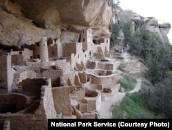 Cliff Palace, the largest cliff dwelling in North America, contained 150 rooms and 23 and was home to about 100 people.
