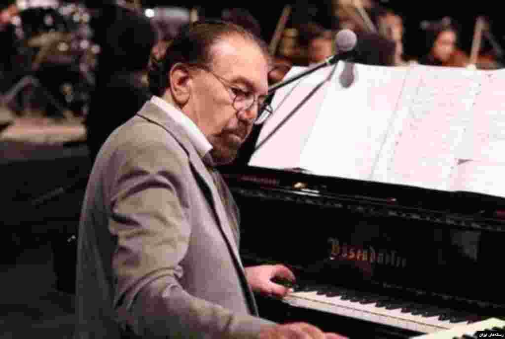 ناصر چشم آذر آهنگساز سرشناس ایرانی که روز جمعه درگذشت، از جمله هنرمندانی بود که برای خوانندگانی چون گوگوش، ابی، هایده و حمیرا آهنگ های ماندگاری ساخته بود.