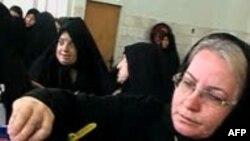Граждане Ирана голосуют на президентских выборах