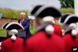 特朗普總統在麥克亨利堡舉行的陣亡將士紀念日活動上發表講話。(2020年5月25日)