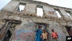 ความอดอยากและภัยแล้งแถบ Horn of Africa กำลังคุกคามชีวิตเด็กโซมาเลียหลายหมื่นคน