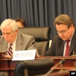 沃尔夫与史密斯众议员(Rep. Frank Wolf and Rep. Chris Smith)