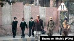 141 Tewas dalam Serangan Taliban terhadap Sekolah Pakistan