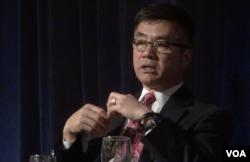 美国第一位美籍华人的驻华大使骆家辉(美国之音方冰拍摄)