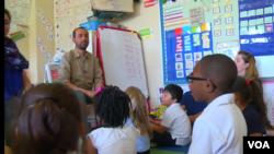 Tamer Elšarkavi predaje arapski jezik u Vašingtonu