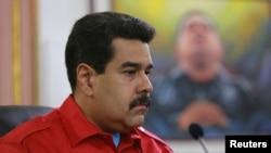 La corrupción es vinculada con el capitalismo por Maduro, quien se autoproclama socialista.