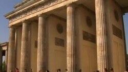 Бранденбургские ворота как свидетель развития отношений Европы и США