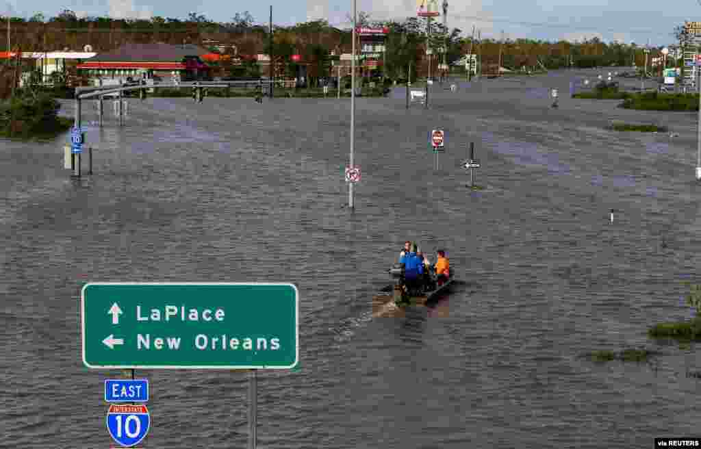 Highway 51 is flooded after Hurricane Ida struck LaPlace, Louisiana. (Mickey Welsh/Montgomery Advertiser/USA TODAY Network)