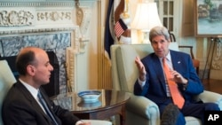 Secretary of State John Kerry met with Saudi Arabia Foreign minister Adel Al-Jubeir in Washington, July 16, 2015. (AP Photo/Molly Riley)