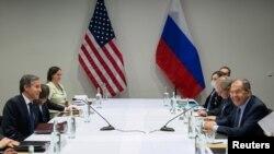 Sastanak američkog državnog sekretara Antonija Blinkena i ministra vanjskih poslova Rusije tokom samita Arktičkog vijeća na Islandu, 19. maj 2021.