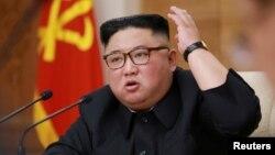 김정은 북한 국무위원장이 지난 4월 평양에서 열린 노동당 전원회의에 참석했다.