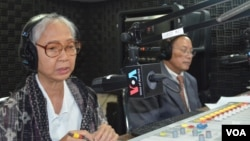 Chea Vannath, independent analyst, left, and Phay Siphan, government spokesman, right, on Hello VOA call-in show.