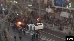 صدا و سیما و رسانه های دولتی ایران سعی داشتند اعتراضات را وارونه جلوه دهند و بعضا اعترافات اجباری را پخش کردند.