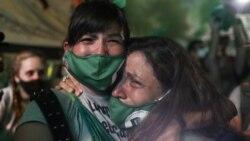 Žene su slavile odluku Senata u Buenos Airesu