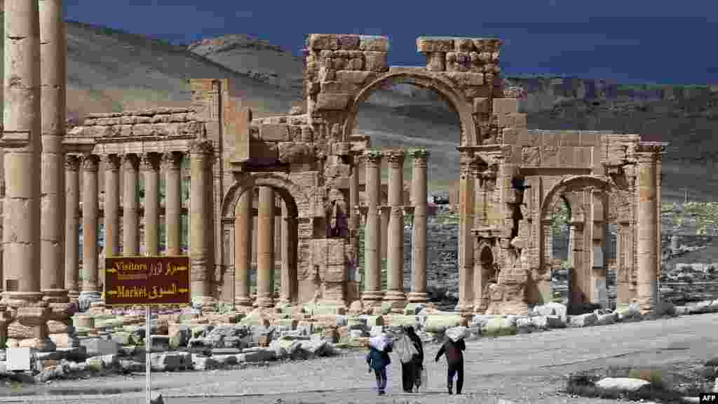 Kota kuno Palmyra, di timur laut ibukota Damaskus, Suriah yang penuh dengan peninggalan budaya zaman Romawi.