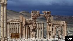 Những tàn tích trong cổ thành Palmyra, cách thủ đô Damascus của Syria 215 km về hướng đông bắc.