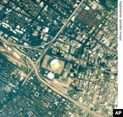New Orleans (After - on 31 August 2005) with now damaged Superdome.