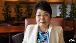 研究中日关系的东京福祉大学国际交流中心主任远藤誉(美国之音歌篮拍摄)