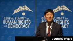 탈북자 김광진 씨가 21일 스위스 제네바에서 열린 국제 인권회의에서 증언하고 있다. 사진출처 = 국제인권회의 웹사이트 캡처.