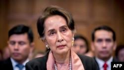 Aung San Suu Kyi, dirigeante birmane et lauréate du prix Nobel de la paix en 1991, ici devant la CIJ à La Haye, le 10 décembre 2019.