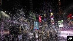 ພາບບັນຍາກາດຂອງວັນຂນປີໃໝ 1.1.12 ທ Time Square, New York