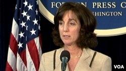 La secretaria de Estado adjunta Roberta Jacobson desmintió las afirmaciones de que Paraguay permitiría la construcción de una base militar de Estados Unidos en ese país. [Foto: Ramon Taylor, VOA].