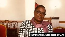 Marie-noël Etonde Mbella lors d'un rencontre sur la criminalisation des défenseurs des droits fonciers, à Yaoundé, le 9 décembre 2019. (VOA/Emmanuel Jules Ntap)