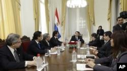 El nuevo gabinete de gobierno de Paraguay sostiene su primera reunión tras ser juramentado por el presidente Federico Franco.