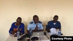 La police burundaise donne un conférence de presse, le 16 juin 2017.