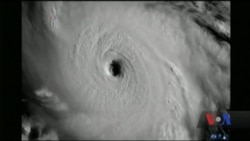 """На США насувається ураган-монстр """"Ірма"""". Відео"""
