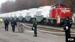 Kereta pengangkut limbah nuklir Perancis telah tiba di Jerman utara (foto: dok).