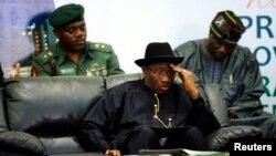 Tổng Thống Nigeria Goodluck Jonathan đã điều động thêm nhiều binh sĩ tới các bang Borno, Yobe và Adamawa, để tham gia 'các chiến dịch an ninh nội địa'.