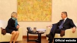Američka ambasadorka u Crnoj Gori Margaret En Uehara i crnogorski premijer Milo Đukanović tokom susreta u Podgorici