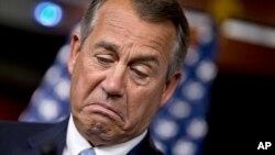 John Boehner sostiene que continúan las conversaciones para aprobar una reforma migratoria en los próximos meses.