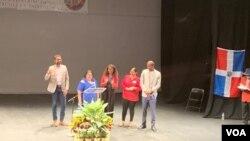 Jackie Reyes, (segunda a la derecha) directora para asuntos latinos de la alcaldía de Washington, D.C., representó a la alcaldesa Muriel Bowser en el evento, el 6 de abril de 2019.