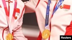 国际奥委会调查中国运动员东奥领奖台上佩戴毛像章