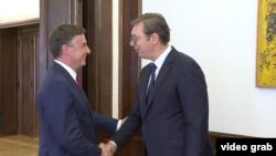 Predsedavajući Odbora Evropskog parlamenta za spoljne poslove Dejvid Mekalister tokom sasntaka sa predsednikom Srbije Aleksandrom Vučićem, u Beogradu, 26. avgusta 2019.