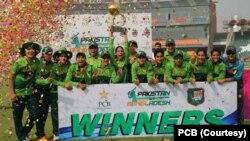 پاکستان نے تیسرے میچ میں مہمان ٹیم کو 28 رنز سے شکست دی۔