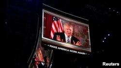 Donald Trump s'est adressé depuis New York à la convention de Cleveland, le 19 juillet 2016. (REUTERS/Mario Anzuoni)