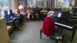 Elderly Pianist Turns Grief Into Therapy for Self, Others