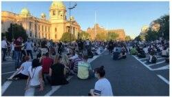 Miran protest pred Parlamentom