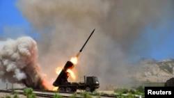 지난해 7월 북한 군의 미사일 발사 훈련 장면을 조선중앙통신이 공개했다. (자료사진)