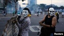 Venezuela termina semana com protestos violentos